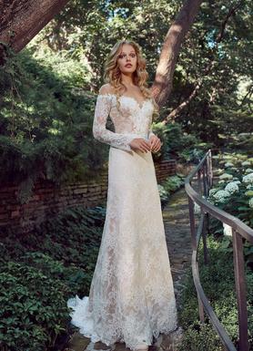 Прекрасні Весільні сукні купити в Києві  672a7d78e52a6