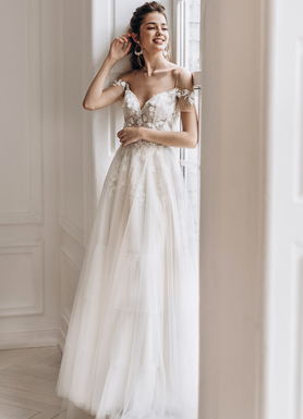 6a8822d5068173 Прекрасні Весільні сукні купити в Києві | Fashion Manufacture